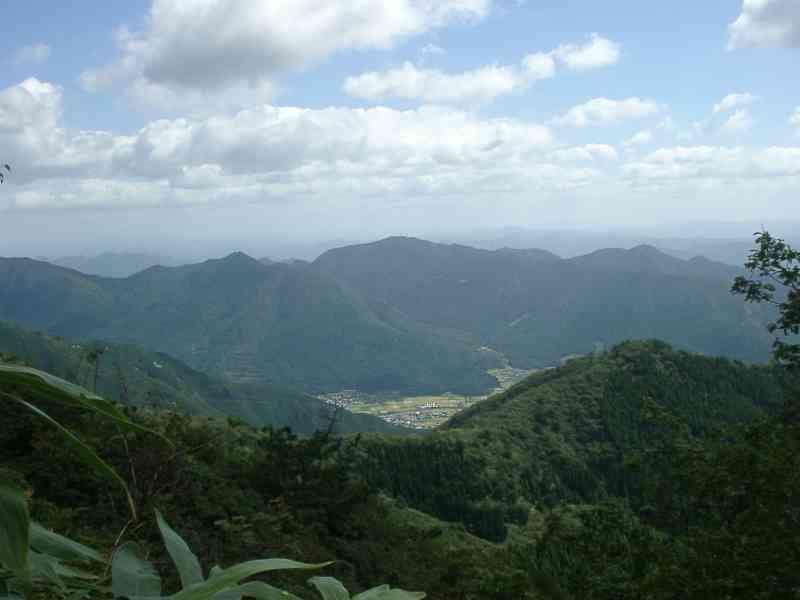 山頂から東南方向 山頂から東 ...